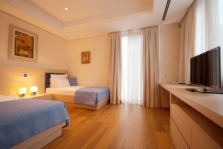 301 bedroom 2