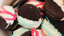 Gender Reveal Chocolate Dipped Oreos