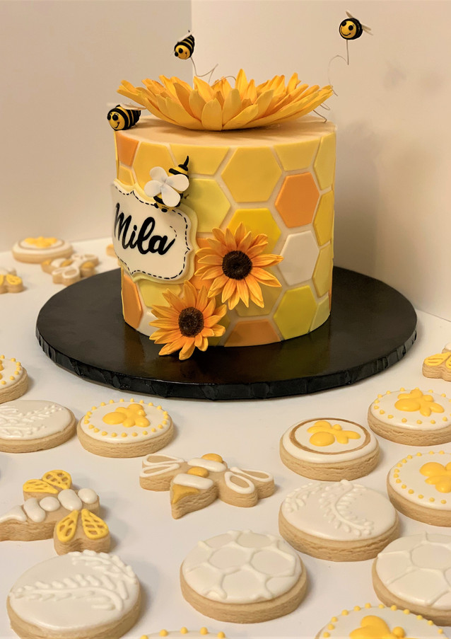 Honeybee Smash Cake & Cookie Set.KCB