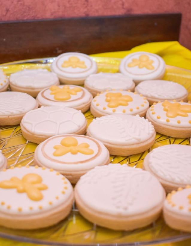 Bee Themed Smash Cookies.KCB