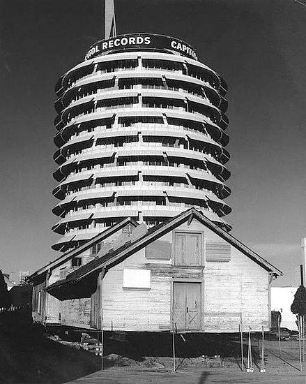 Lasky-DeMille Barn - in front of Capitol
