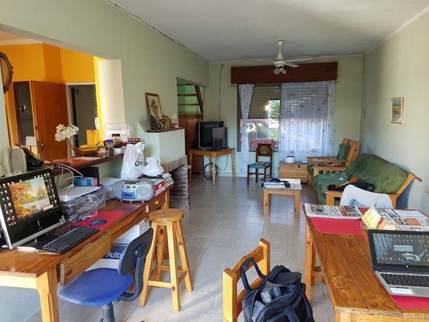 Casa en Av. Jorge Newbery   U$D150.000