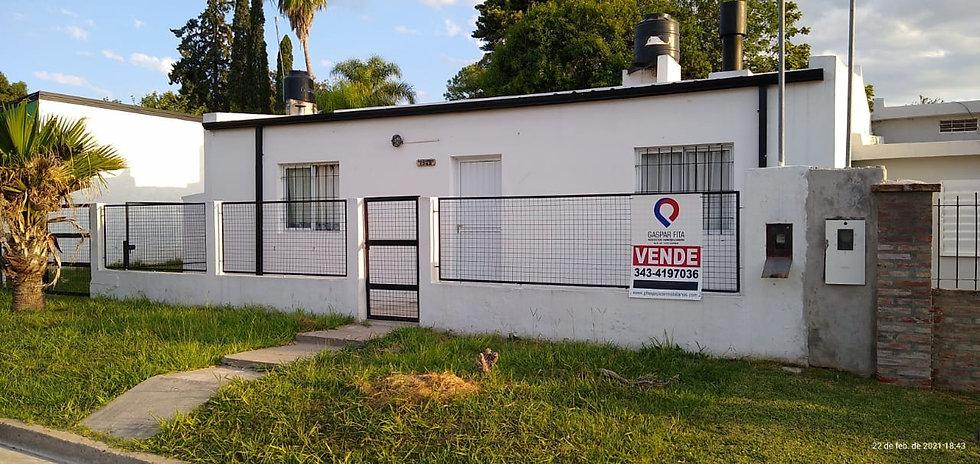 En Col. Avellaneda - Casa de 2 Dorm!   U$D55.000