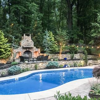 Pool Garden & Outdoor Kitchen