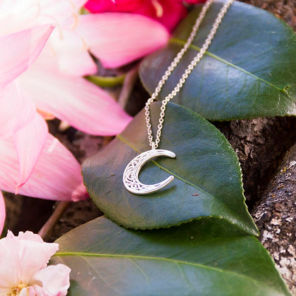 Celtic Moon Necklace [Silver]