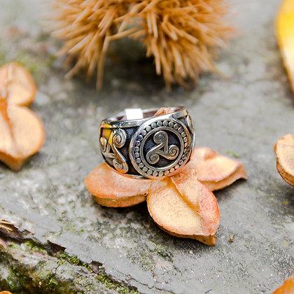 Triskel Ring