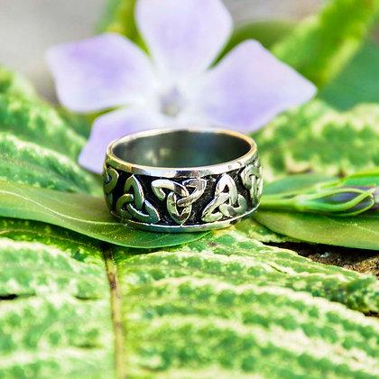 Triqueta Ring