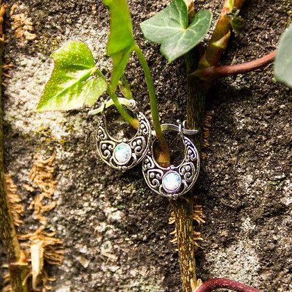 Skadi Earrings [Silver with Opal]