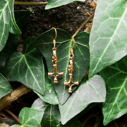 Wolf Cross earrings [Bronze]