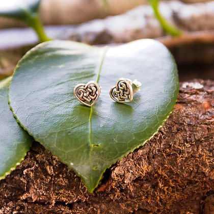 Celtic Heart Stud Earrings [Silver]