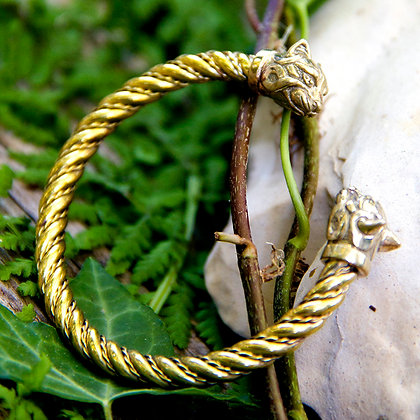 Cat Torques Bracelet [Bronze]