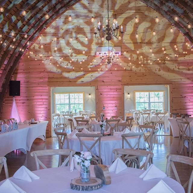 Celebrating a May Wedding at Rustic Oaks