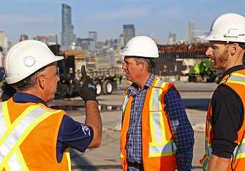 Fred and Two Dalton guys on Site_2400.jp