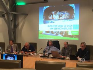 Vlaams Huis Verkeersveiligheid zet deur op een kier voor motorrijders op de busbaan