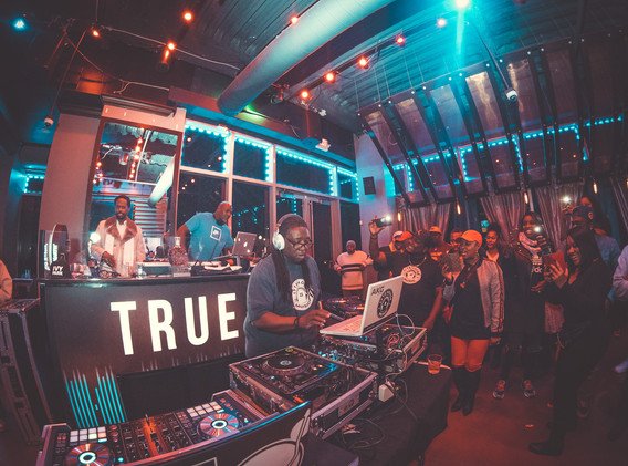 DJ+Blend+Battle+%40++True+%28131+of+248%