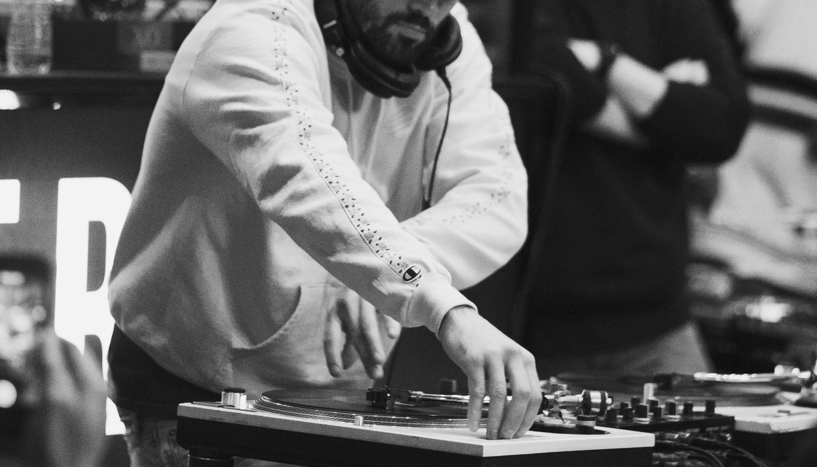 DJ+Blend+Battle+%40++True+%2812+of+247%2