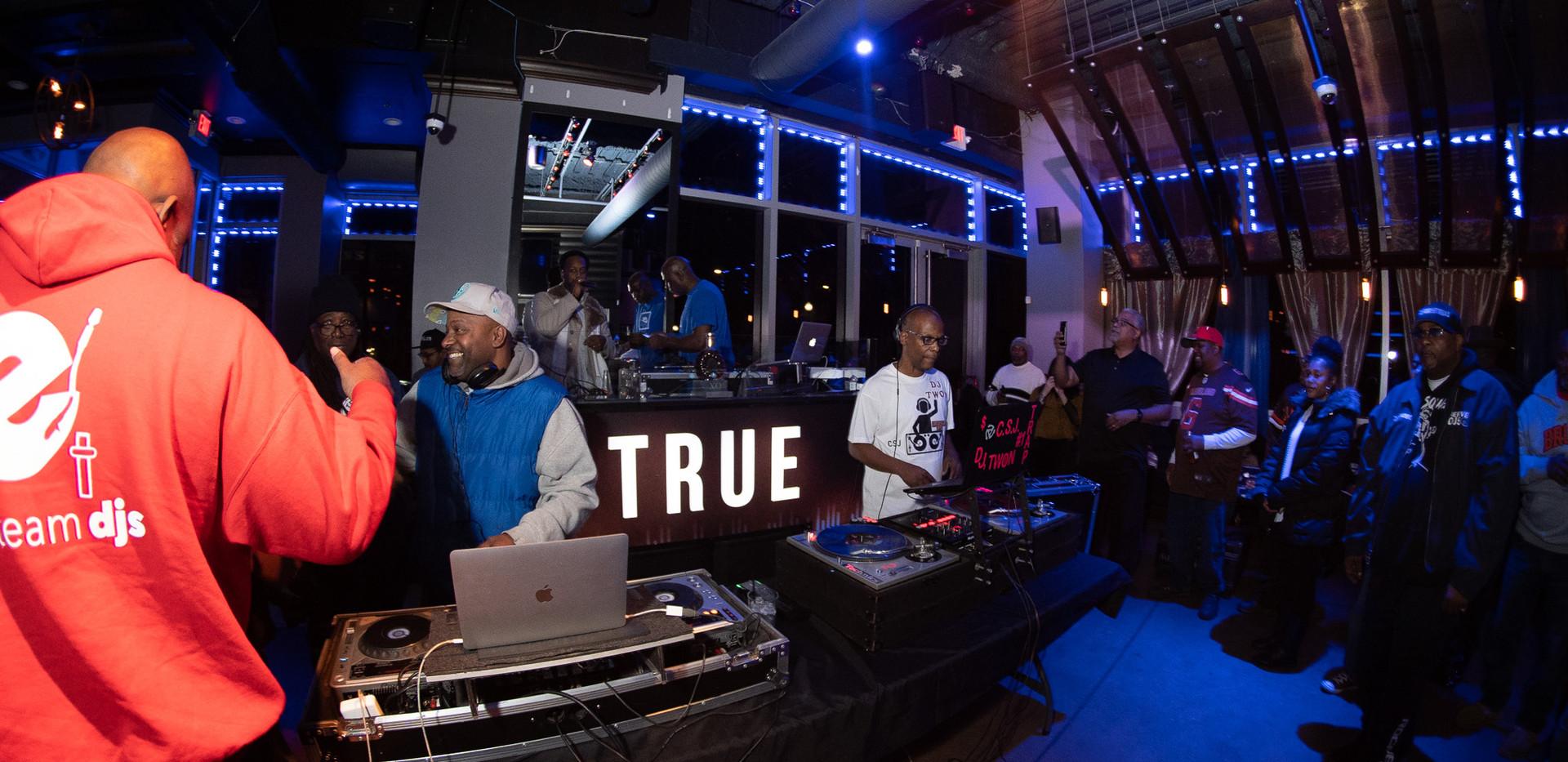 DJ+Blend+Battle+%40++True+%28183+of+248%