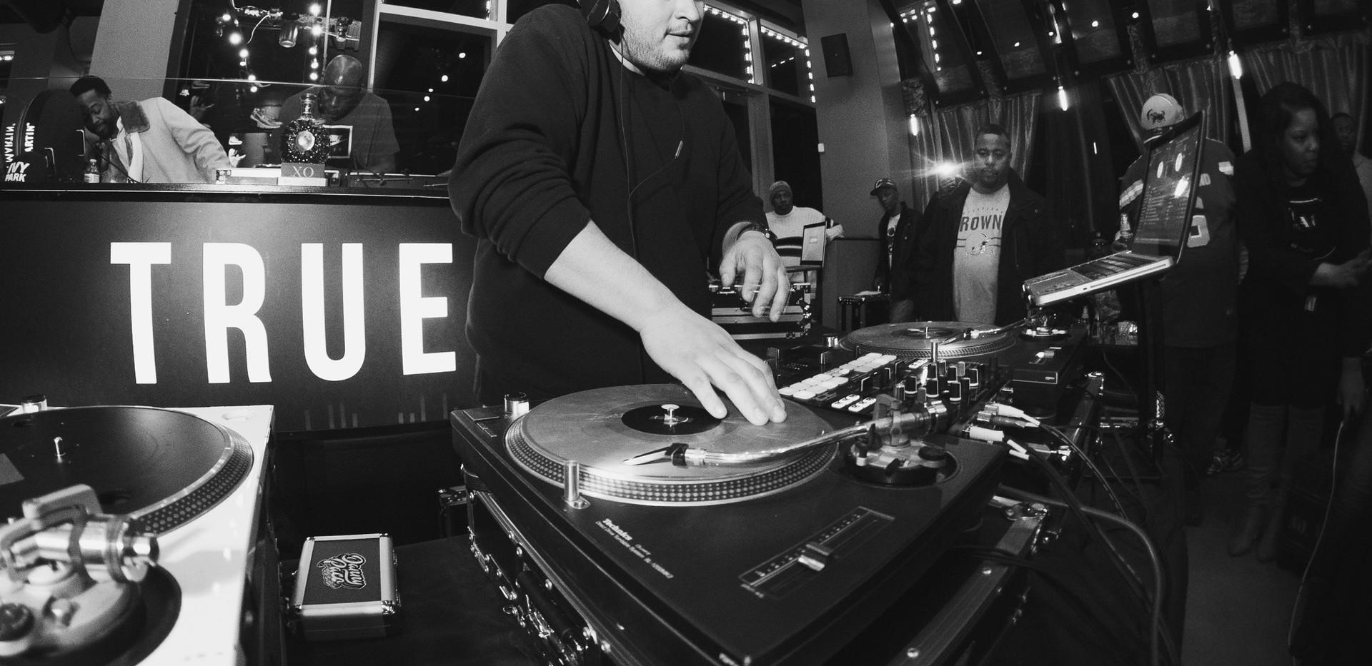 DJ+Blend+Battle+%40++True+%28212+of+248%
