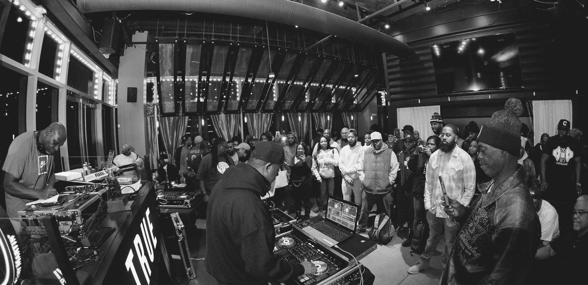 DJ+Blend+Battle+%40++True+%28144+of+248%