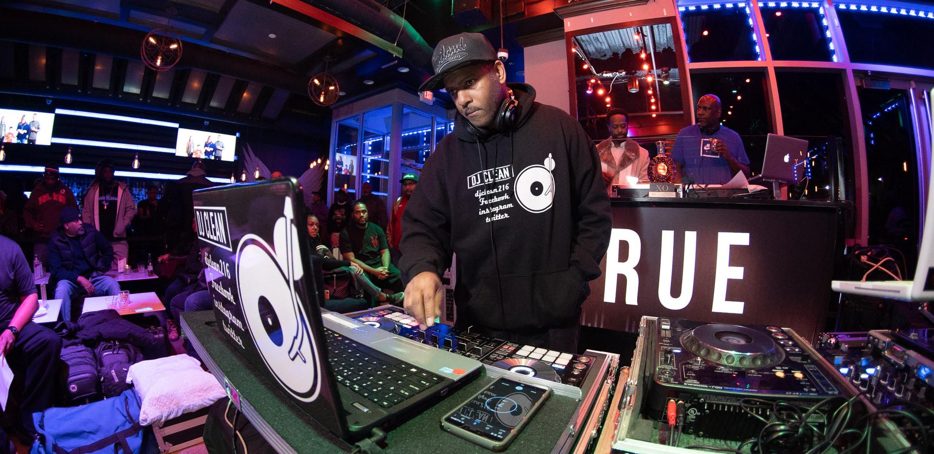DJ+Blend+Battle+%40++True+%28138+of+248%