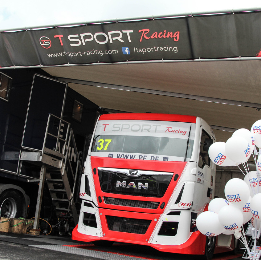 T Sport Racing_picture_Donington (10)
