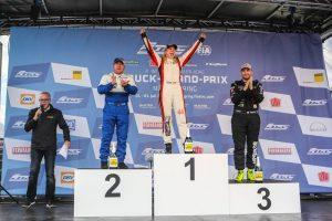 Reinert_Racing__Steffi_Halm_Unit_8_Motorsport_Systems_Nürburgring_2016_(7)