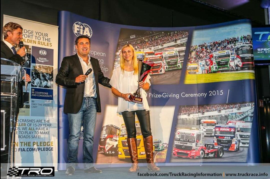 Reinert Racing_ Steffi Halm_Unit 8 Motorsport Systems_Le Mans 2015 (2)