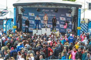 Reinert_Racing__Steffi_Halm_Unit_8_Motorsport_Systems_Nürburgring_2016_(6)