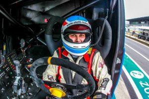 Reinert_Racing__Steffi_Halm_Unit_8_Motorsport_Systems_Nürburgring_2016_(2)