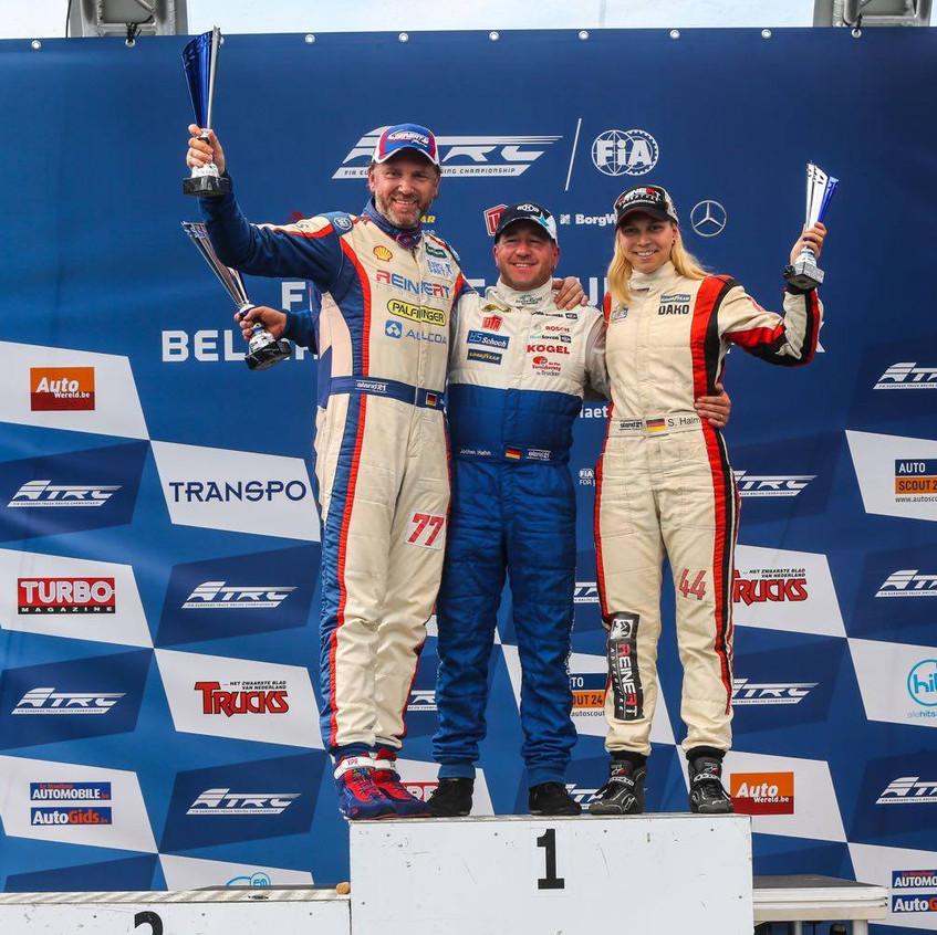 Reinert Racing_Unit 8 Motorsport Systems_Steffi Halm_Zolder (2)