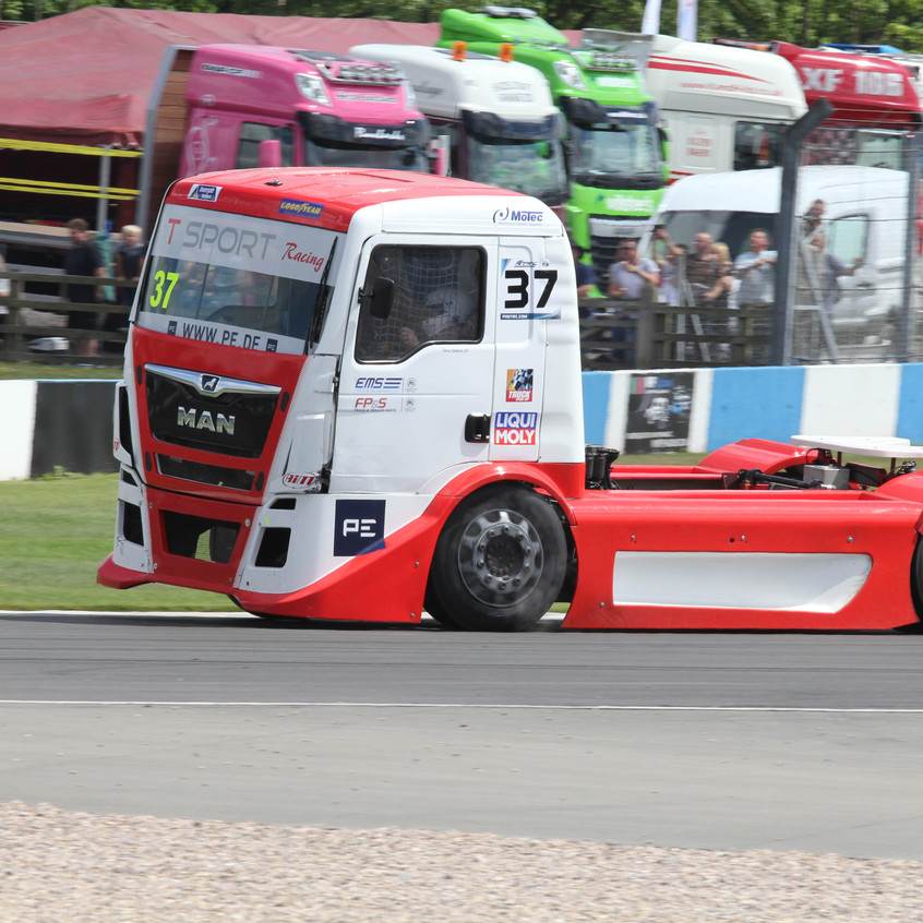 T Sport Racing_picture_Donington (2)