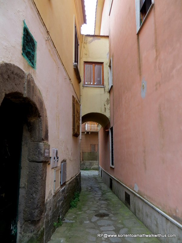 Entering Massa Lubense