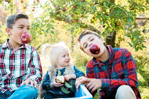 biting apples kids.jpg.jpg