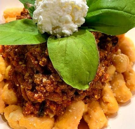 sweet potato gnocchi with beef_e