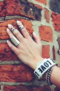 hand-on-the-bricks-5606.jpg