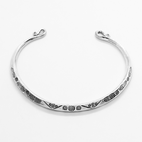 Solid Pattern Curl-End Open Cuff Bangle / 925 Sterling Silver