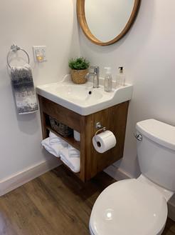 Bathroom_1.1.JPG
