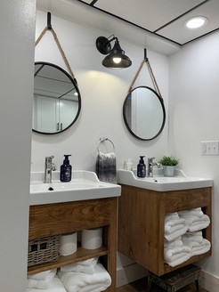 Bathroom_3.3.JPG