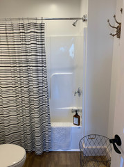 Bathroom_1.2.JPG