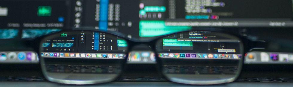 closeup%2520photo%2520of%2520eyeglasses_edited_edited.jpg