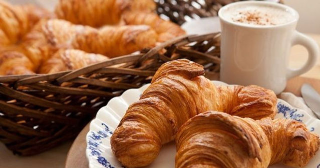 croissant1.jpg