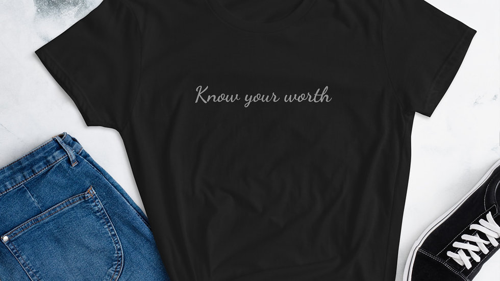 Know your worth Women's short sleeve t-shirt - Black