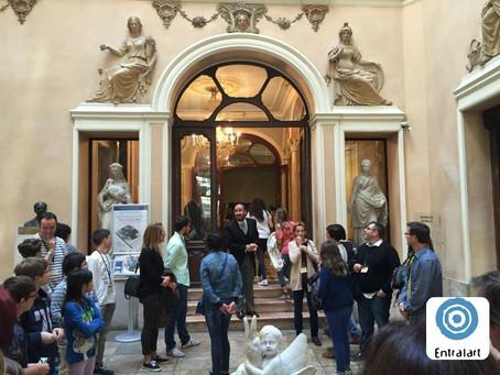 S'obri el teló a Palau Marqués de Dos Aigües.