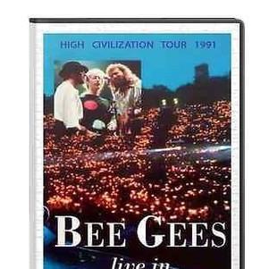 bee-gees-live-berlin-high_1_feb8e3c40271