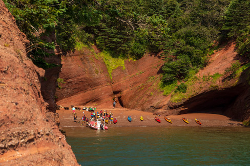 Sea Kayaking the Sea Caves