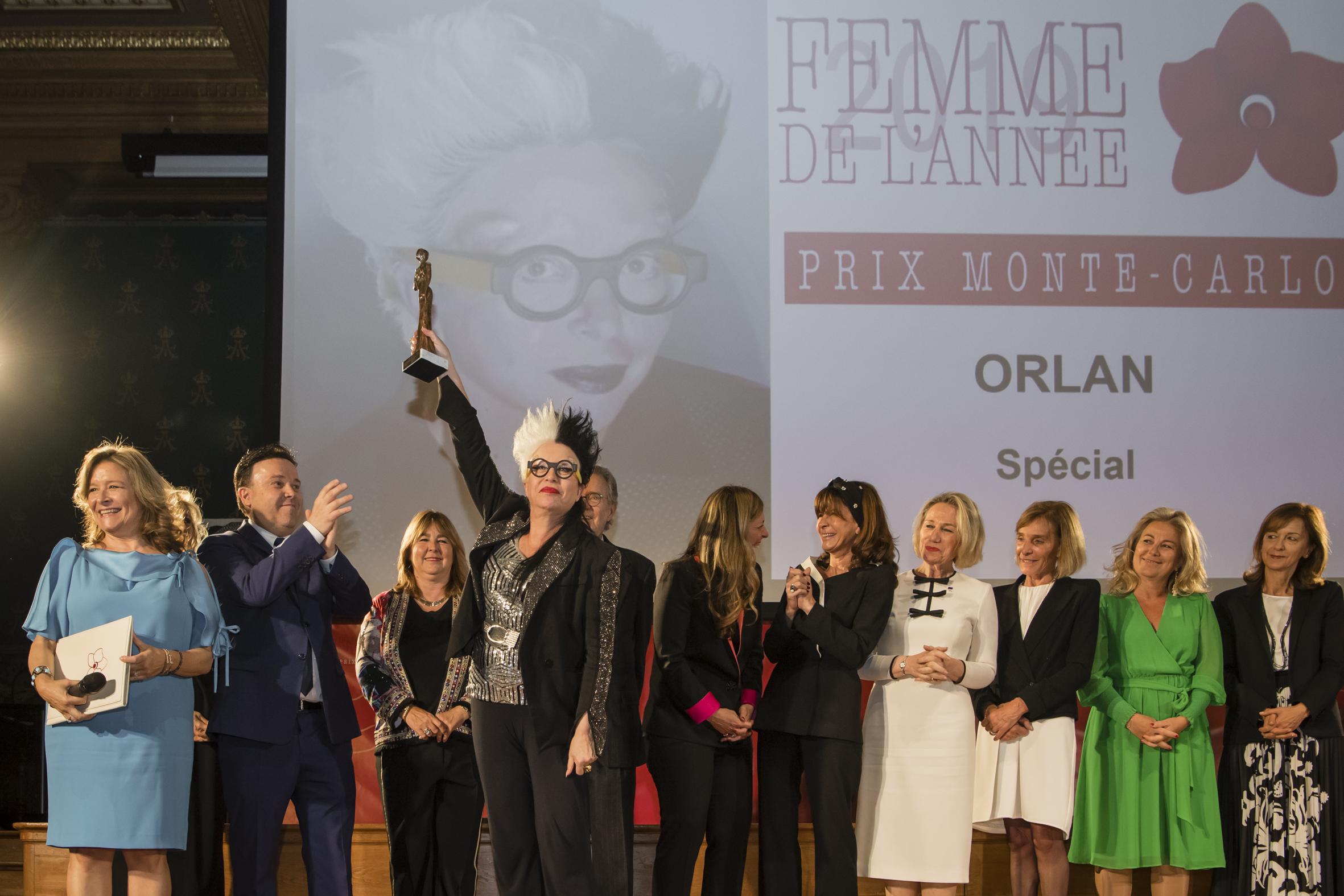 ORLAN_Special-Femme_de_l'Année-Direction