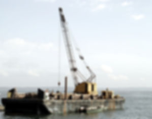 Crane barge and special purpose vessel