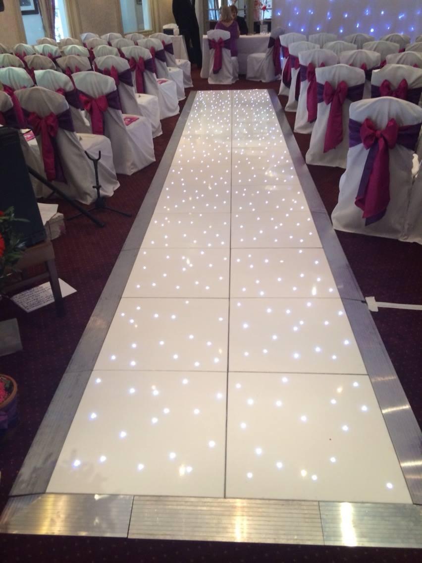 Berkshire Hampshire: Led Ceremony Aisle For Weddings