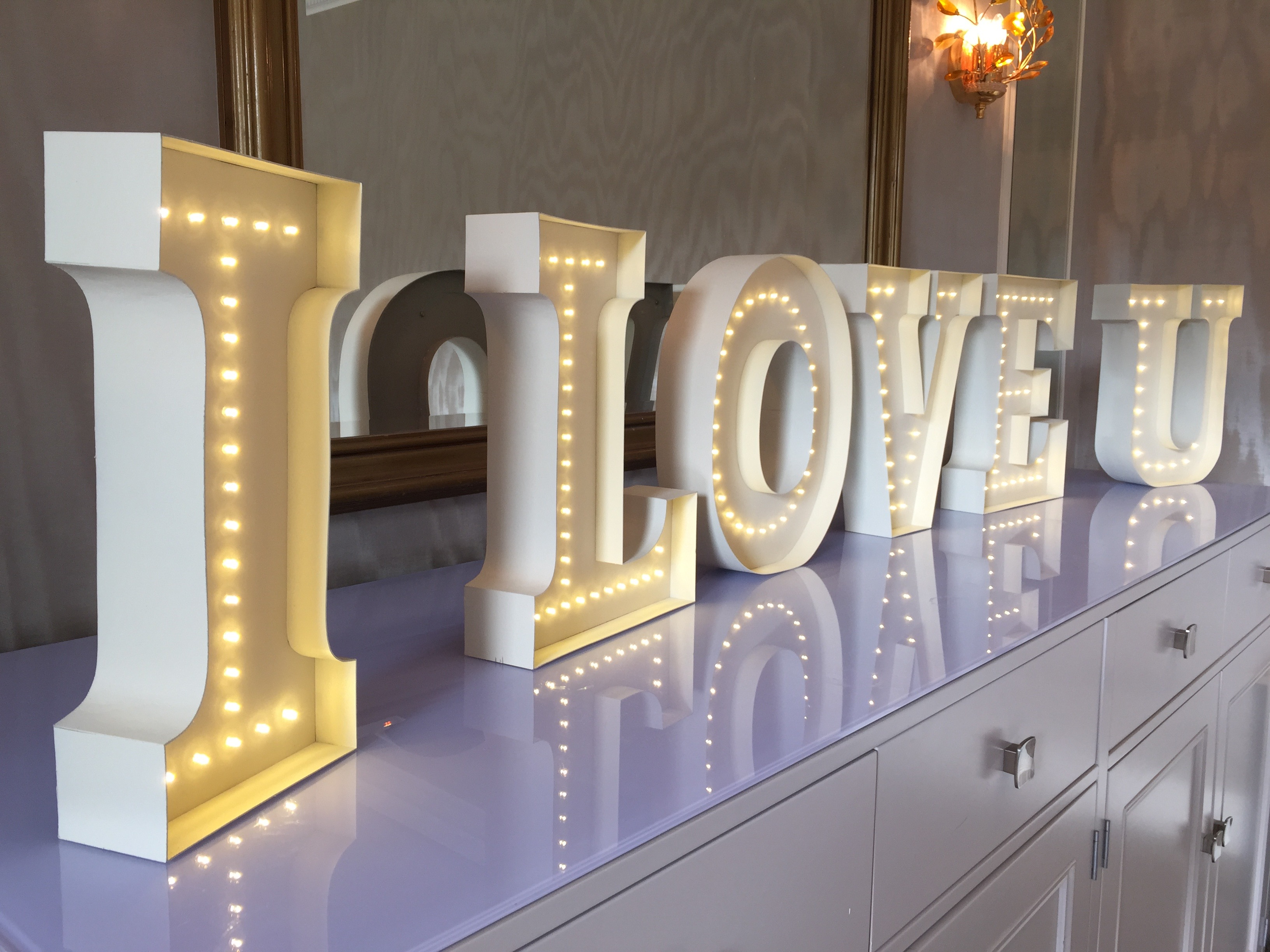 3D Letters - I LOVE U led letters