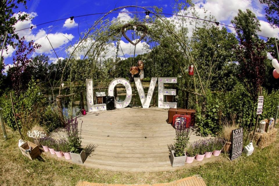led Love letters outdoor wedding